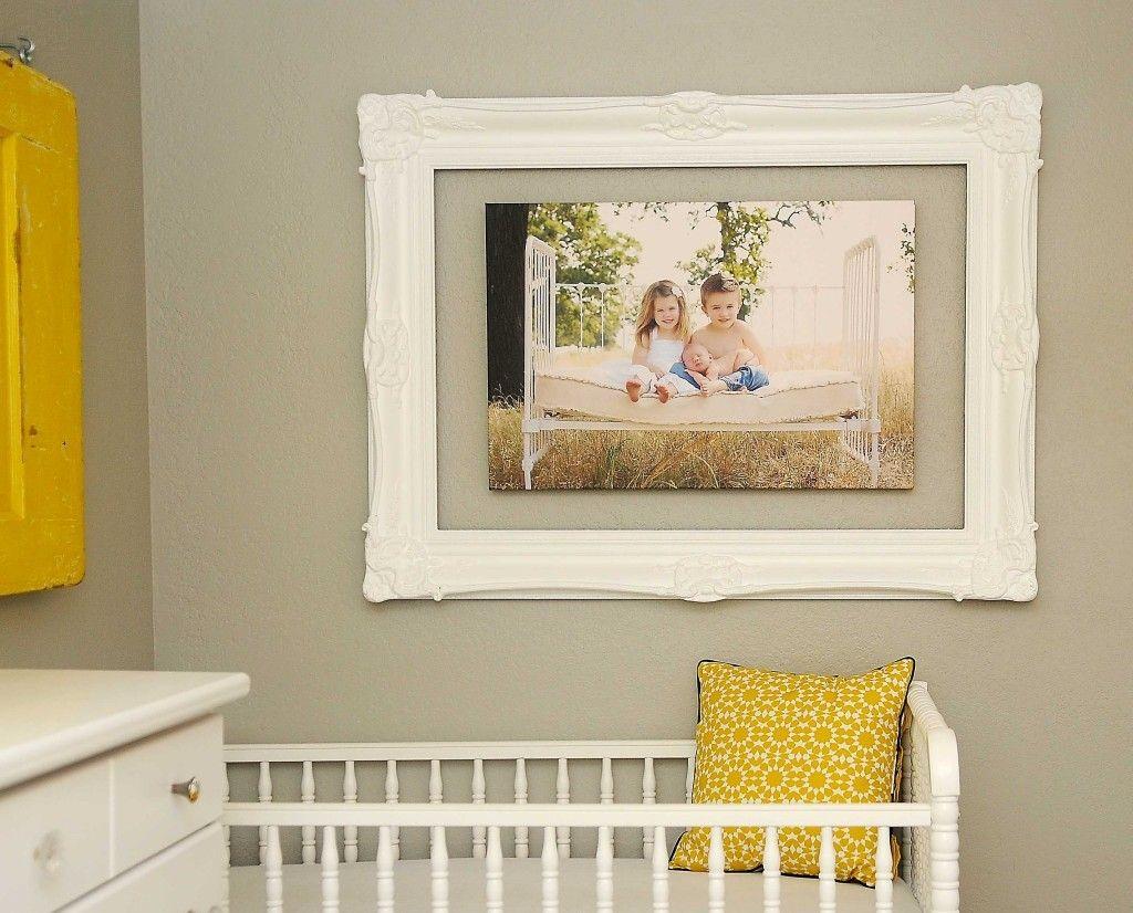 Декор фотографиями стены в детской комнате