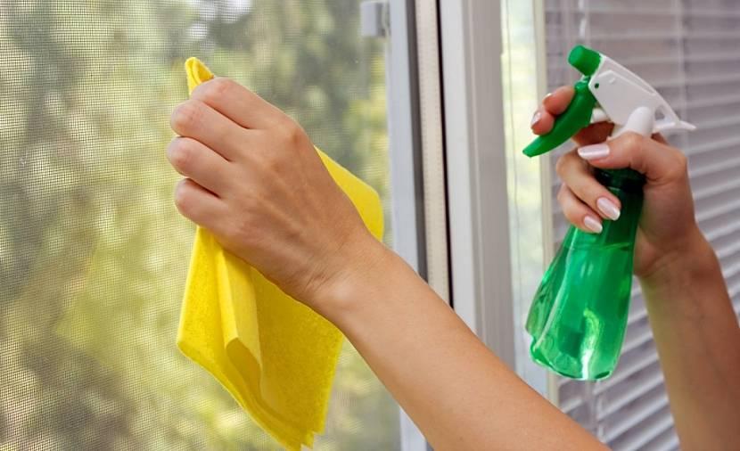 Как лучше помыть окна в доме