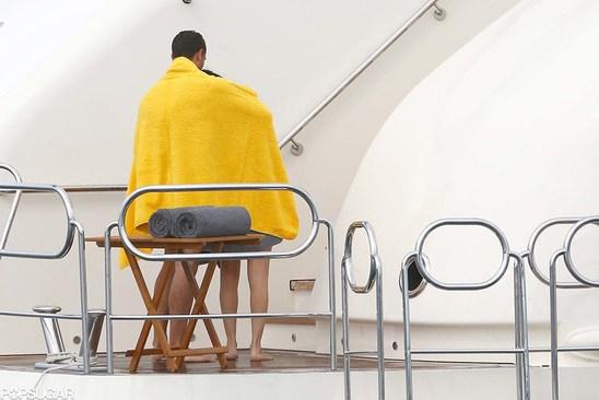 Селена Гомес встречается с неизвестным мужчиной: Фото