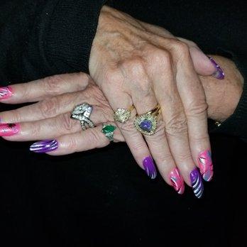Mentor nails