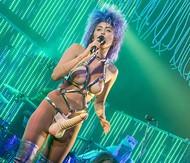 Голая актриса, певица Miley Cyrus фото, эротика, картинки - фотосессия из мужского журнала GQ на Xuk.ru! Фото 111