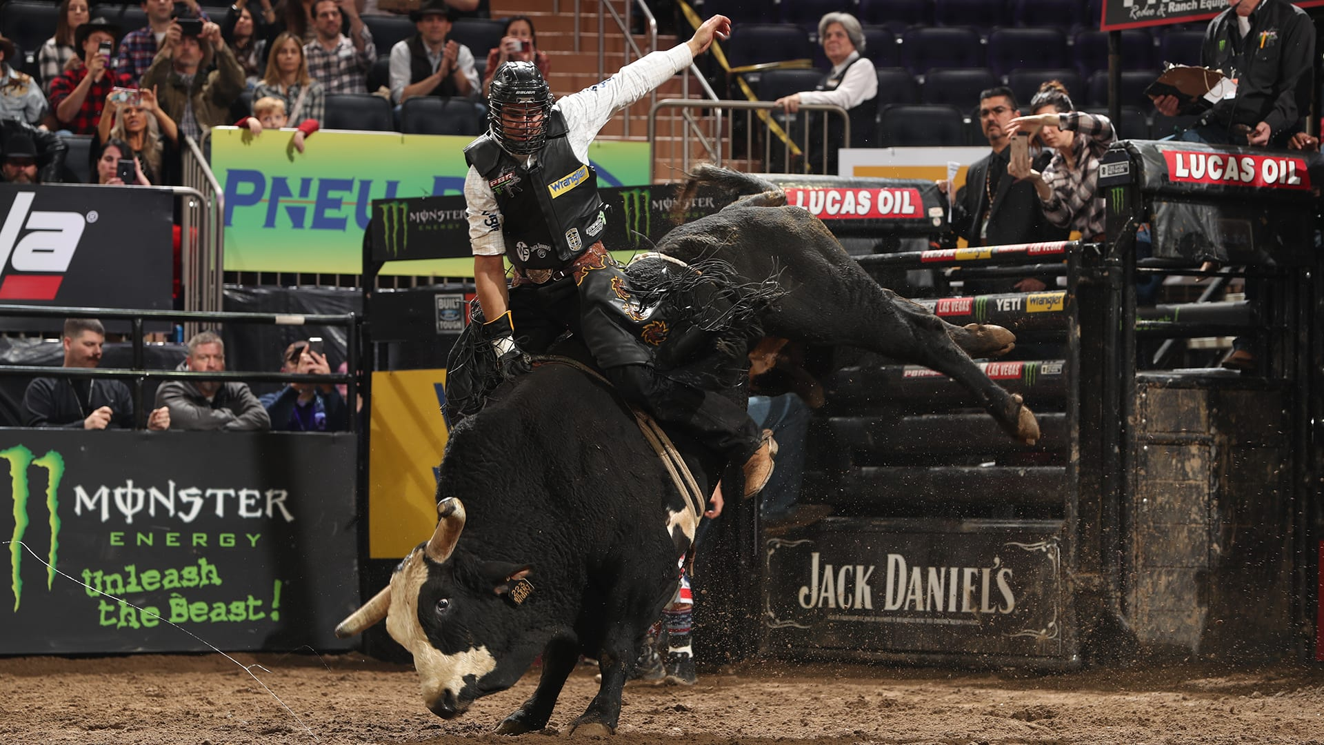 Bull riding matchups for WCRA Windy City Roundup; Vieira out