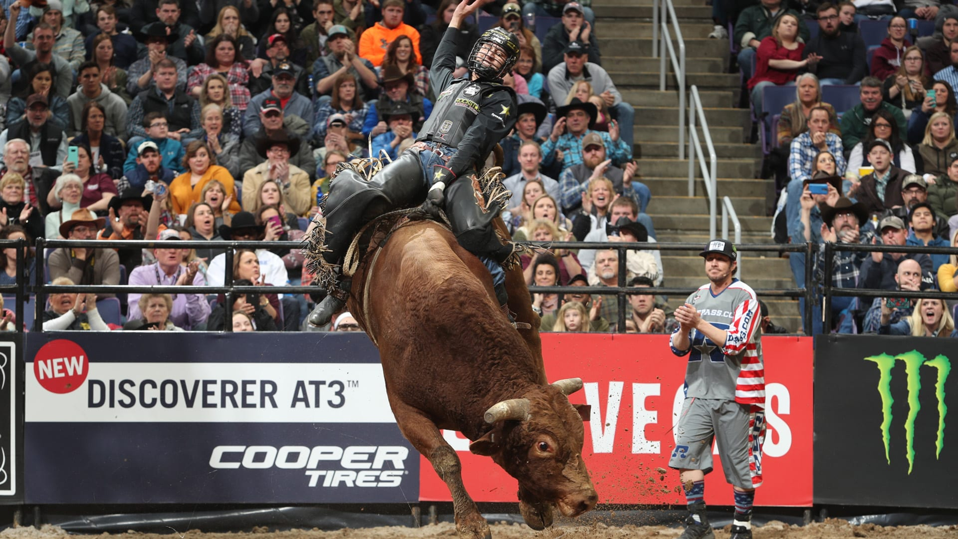 Jesse rides bull named in honor of Lowe for second-place finish