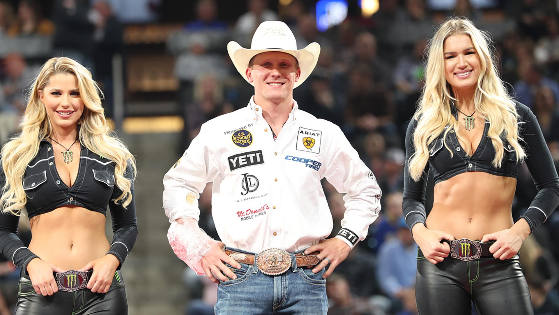 Davis wins Round 1 in Sioux Falls