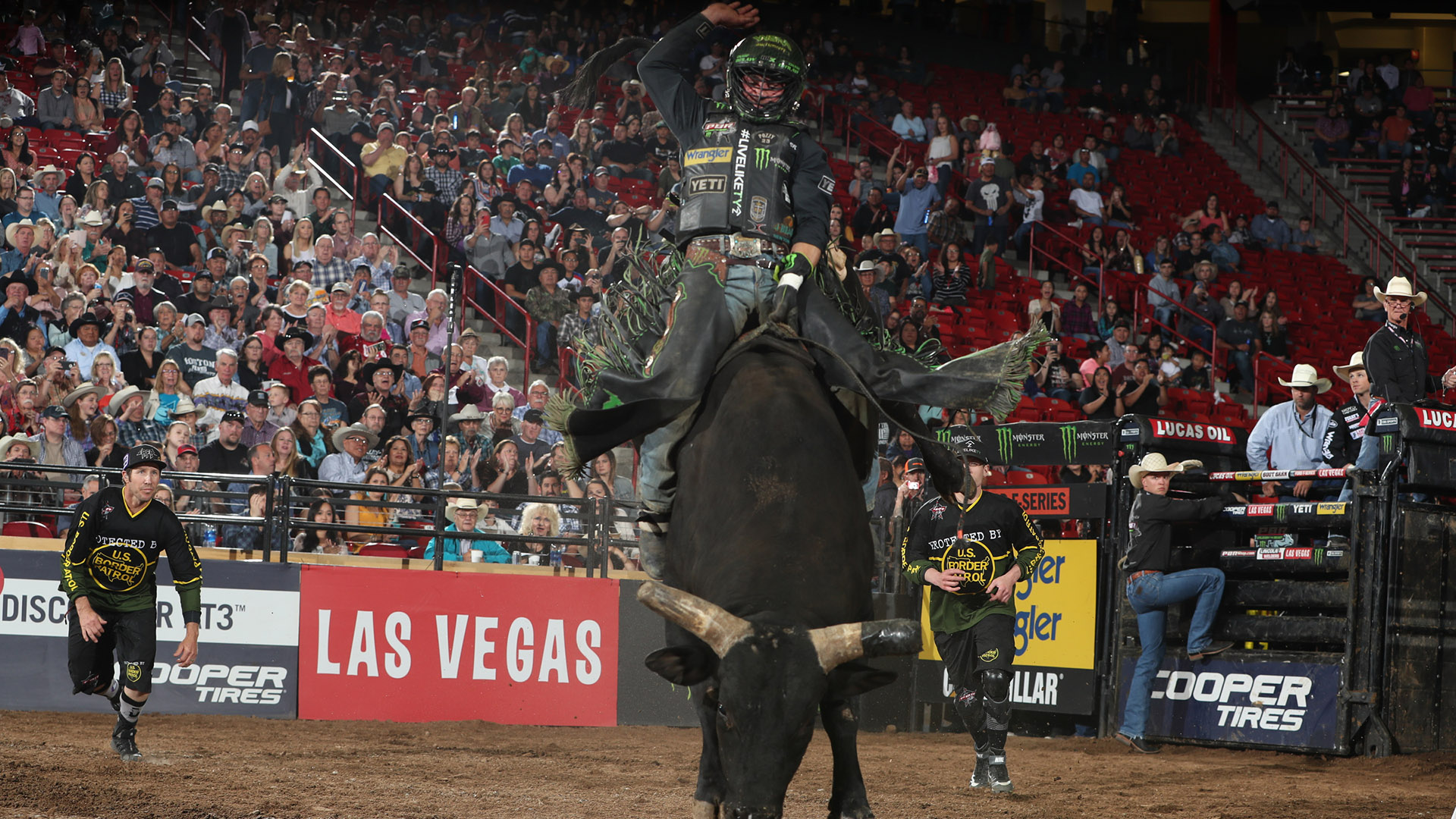 Outlaw, with added motivation, leading Ty Murray Invitational with Eguchi