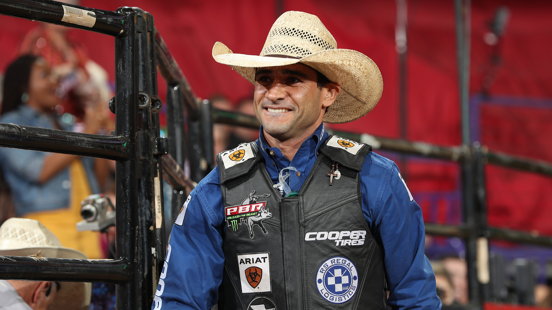 Vieira moves to No. 2 in world standings, turns his focus to Last Cowboy Standing