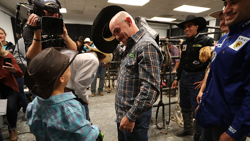 #InCaseYouMissedIt: Twinning in the Twin Cities, bald is beautiful and more