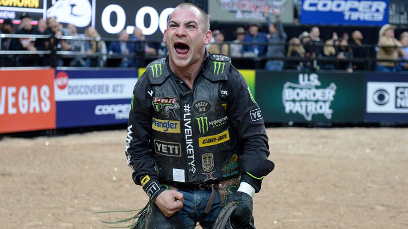 Outlaw: 'If you're not having fun, you should've stayed at the house'