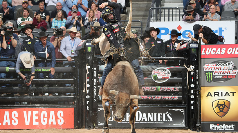 Teel conquers SweetPro's Bruiser to take World Finals event lead