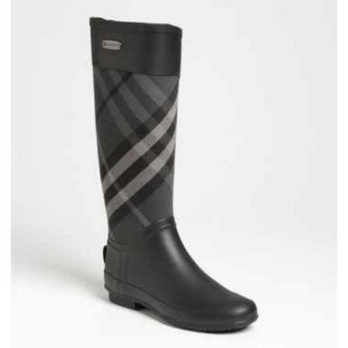 Celebrities wearing burberry rain boots