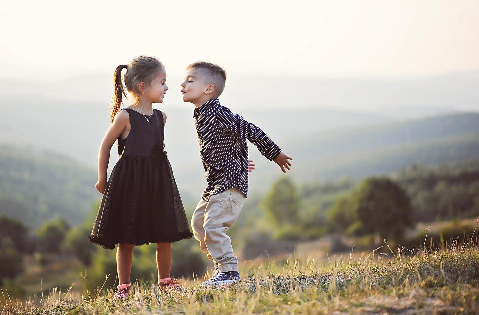 Чем отличается девочка от мальчика фото