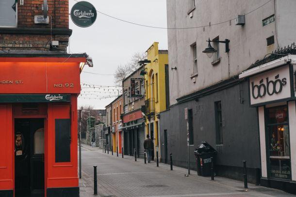 Neighborhood stroll in Dublin