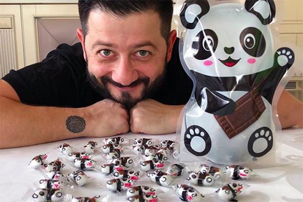 Михаил Галустян рекламирует конфеты