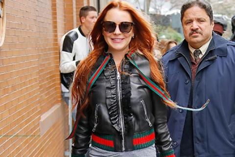 """Линдси Лохан в нарядах от """"Gucci"""" на улице Нью-Йорка"""