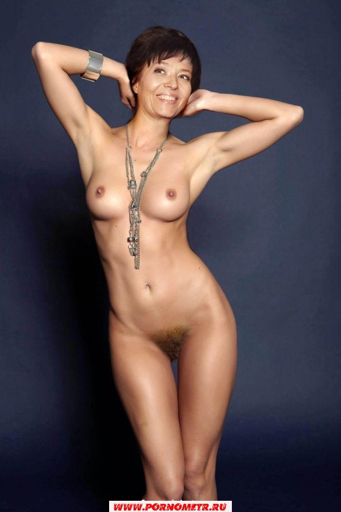 Ники стрижак голая