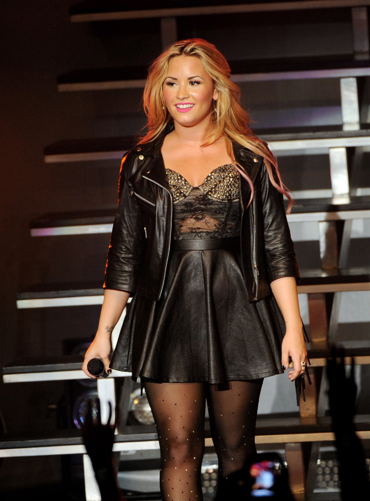 Demi lovato leather jackets