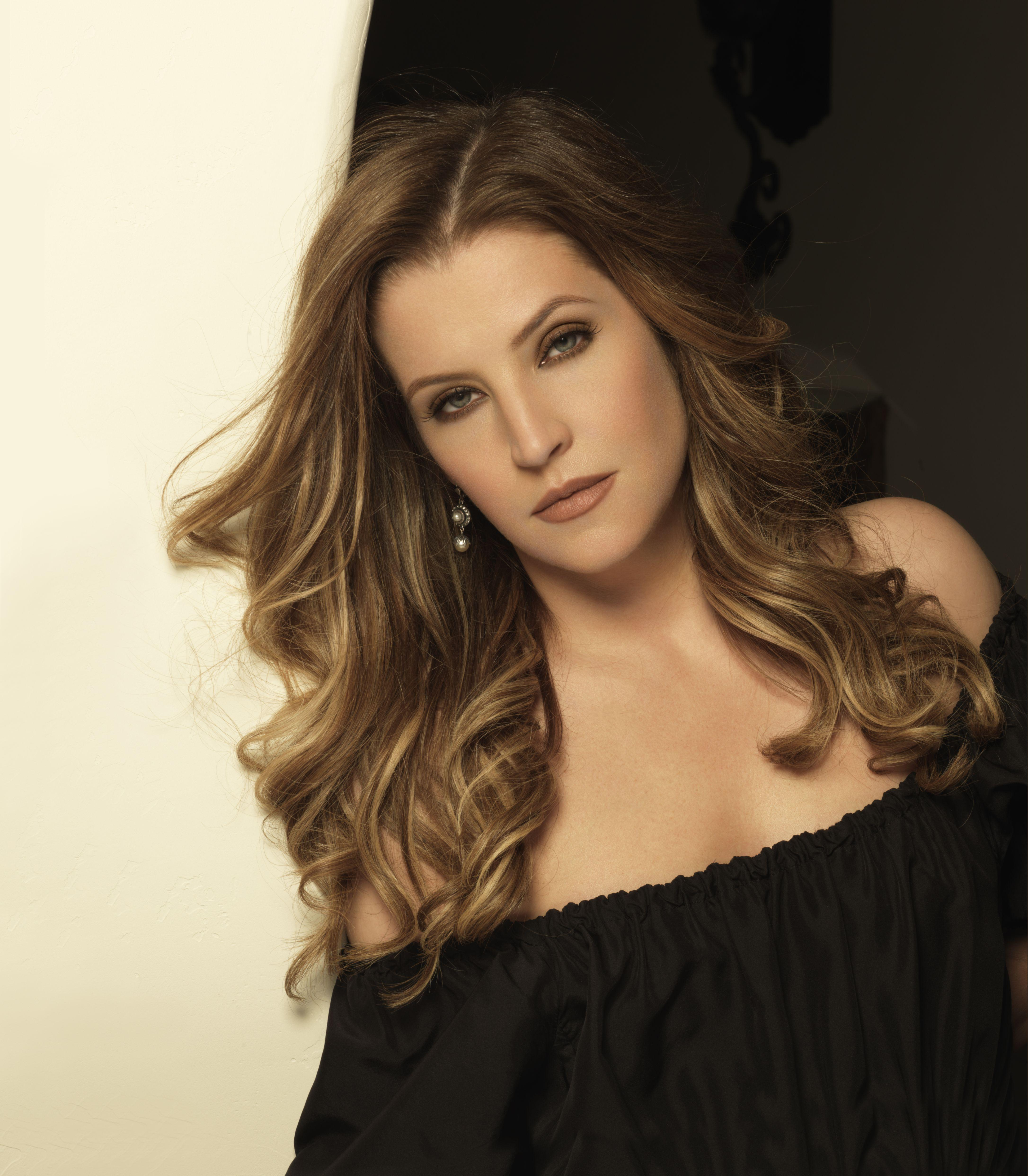 What year was lisa marie presley born