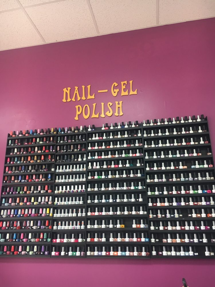 Nails tooting