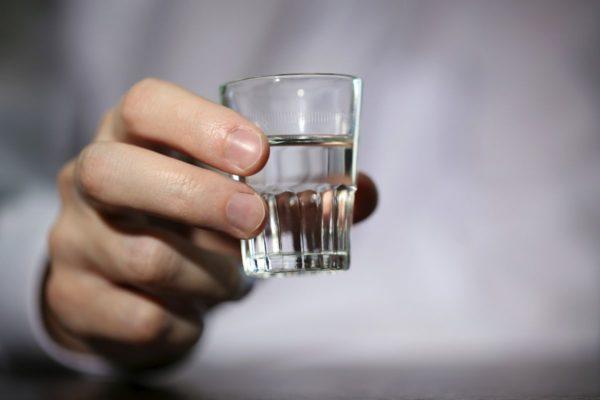 Через сколько выветривается бутылка водки