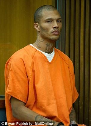 Арестованный красавчик, голубоглазый преступник, Джереми Микс,  Jeremy Meeks, самый красивый преступник