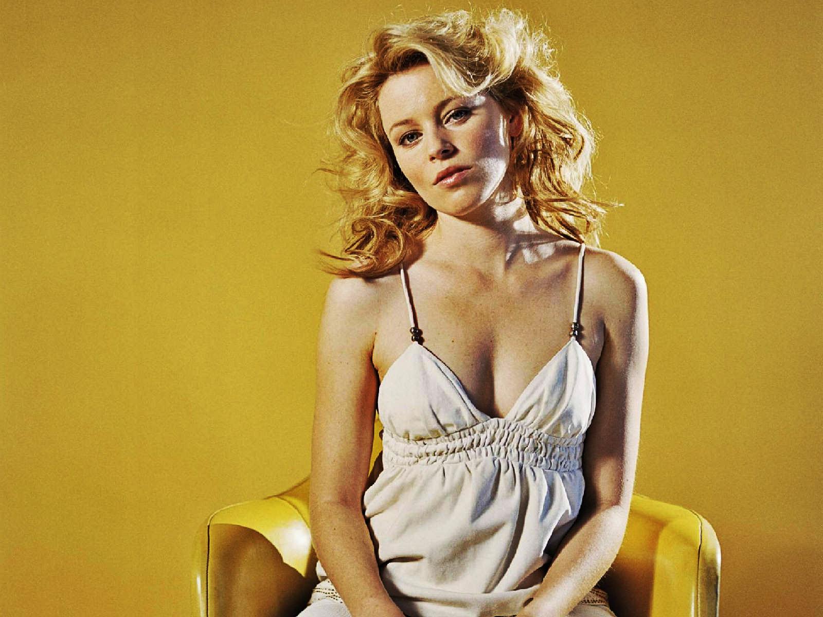 Elizabeth Banks Hot