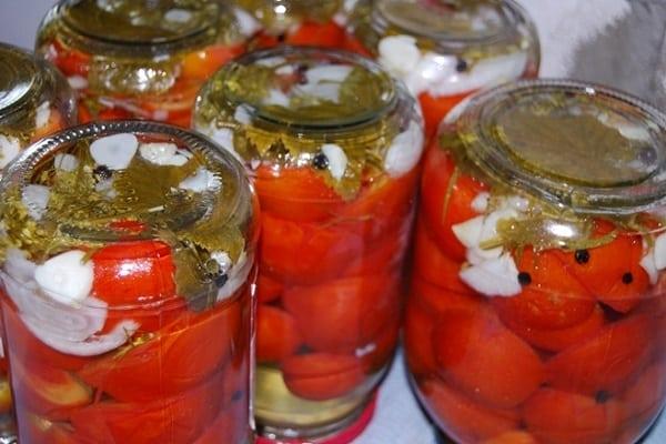 Засолка помидоры половинками