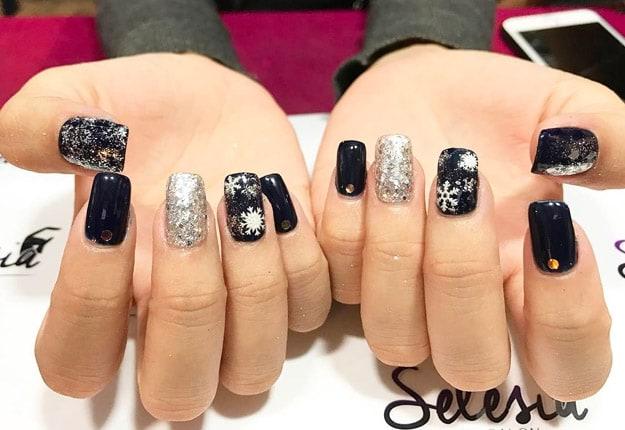 Holiday nails designs
