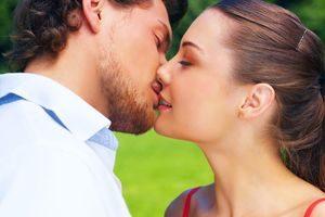 Как целоваться в первый раз