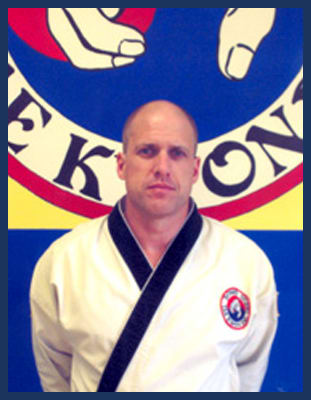 Master Lewis Sutton in Richmond - Dong's Karate