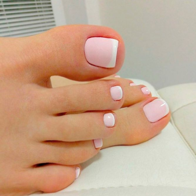 French tip nails toes