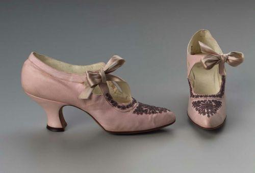 Обувь XIX века: «Принеси те самые черевички, которые носит царица, выйду тот же час за тебя замуж», фото № 1