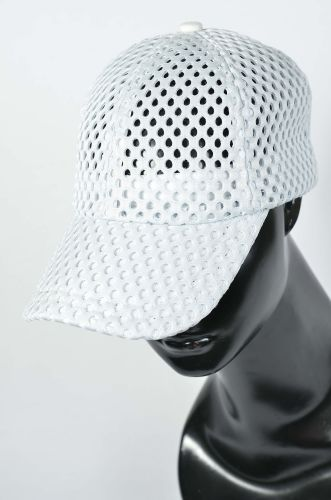 Double Mesh on Vented Cap
