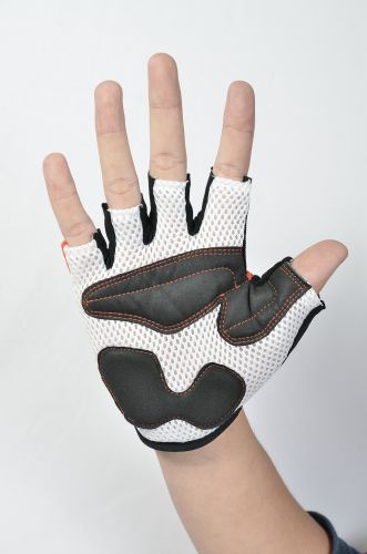 Double Mesh on Padded Gloves