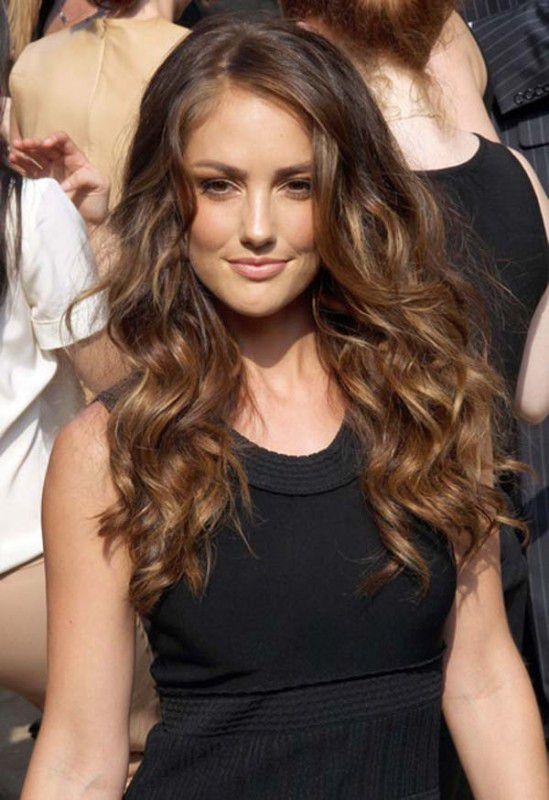 стрижка на длинные волнистые волосы