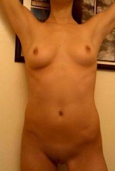 Эшли Грин без лифчика на горячих фото