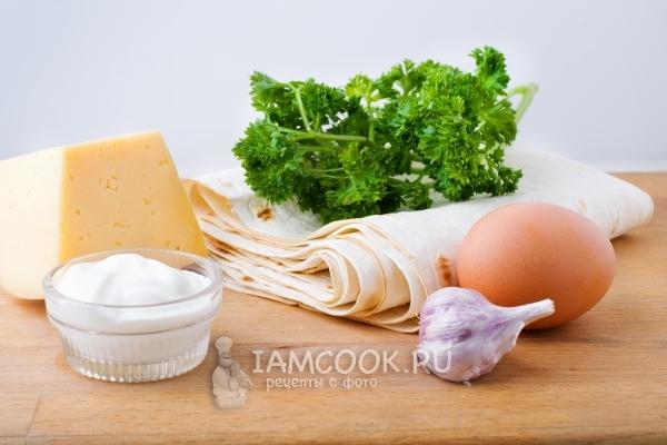 Закуска из лаваша с сыром на сковороде