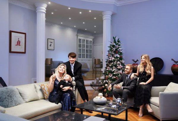 Валентин Юдашкин со своей семьей