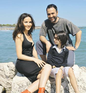 Наталия Орейро с мужем Рикардо Мольо и сыном