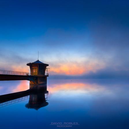 Torre de control embalse de la Granda en Gozon
