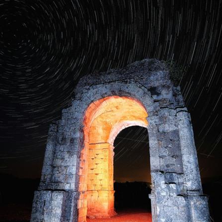 Roma Milenaria. Arco de Cáparra