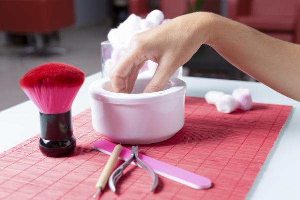 How much is acetone for nails