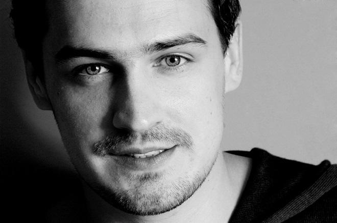 Актёр Павел Савинков в сериале «Улица»
