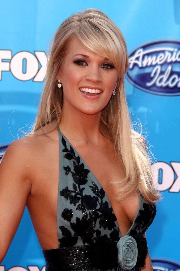 Carrie Underwood sexiest pictures from her hottest photo shoots. (19)