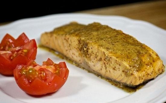 как запечь лосося в духовке в фольге
