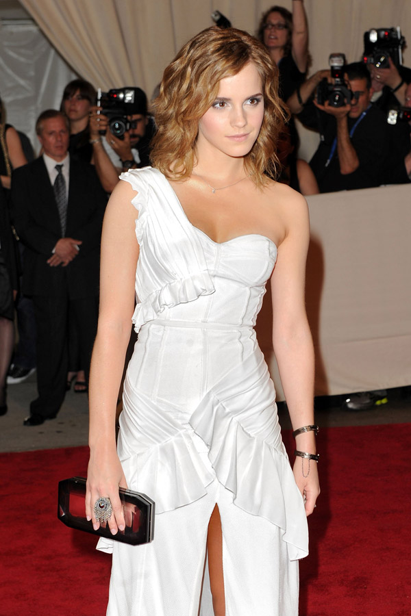 Emma watson burberry white dress