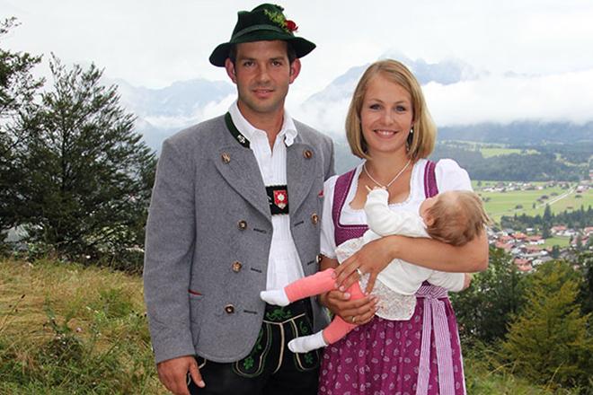 Магдалена Нойнер и Йозеф Хольцер с дочерью