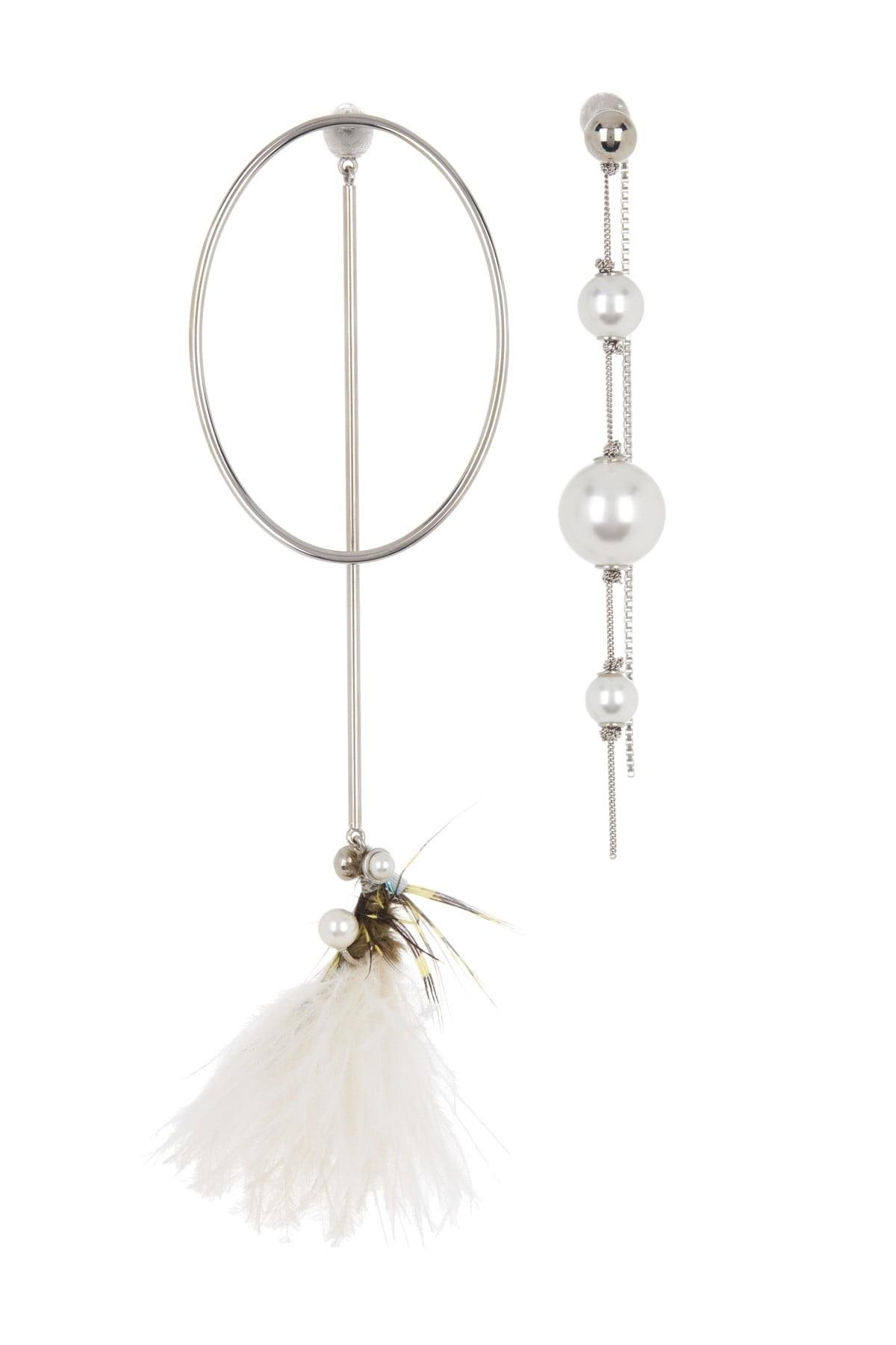 Burberry Ladies Glass Pearl & Ostrich Feather Asymmetrical Drop Earrings In Metallic