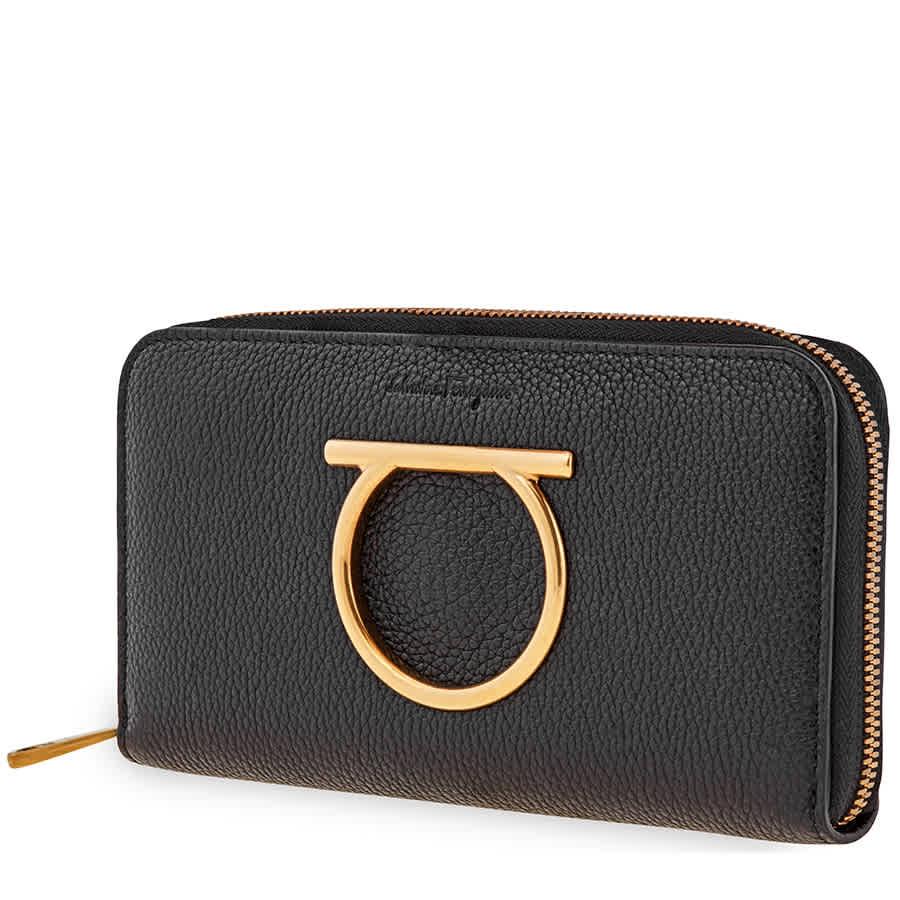 Salvatore Ferragamo Ferragamo Gancini Zip Around Wallet Black 22d291 716198