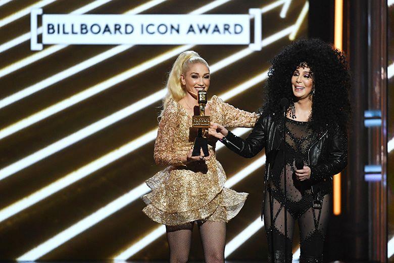 Гвен Стефани, Шер на церемонии вручения музыкальной награды Billboard Music Awards в Ти-Мобайл Арене, Лас-Вегас, 21 мая 2017 г.