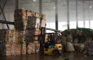 Сколько в 1 тонне пластиковых бутылок